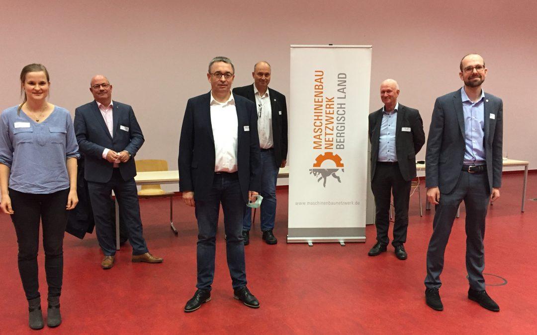 Foto: Anne Gebuhr (BSW), Stephan A. Vogelskamp (BSW), Norbert von Poblotzki (Schmersal Group), Prof. Dr.-Ing. Peter Gust (Bergische Universität Wuppertal), Klaus Appelt (IHK), Florian Straßer (@-yet)